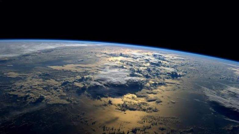 Такий вигляд Земля має з космосу
