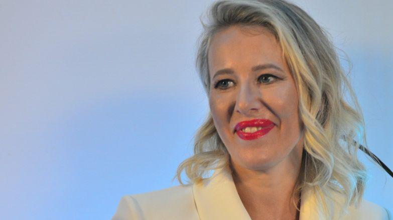 Похвастала доходами: богачка Собчак надела на пальцы миллионы