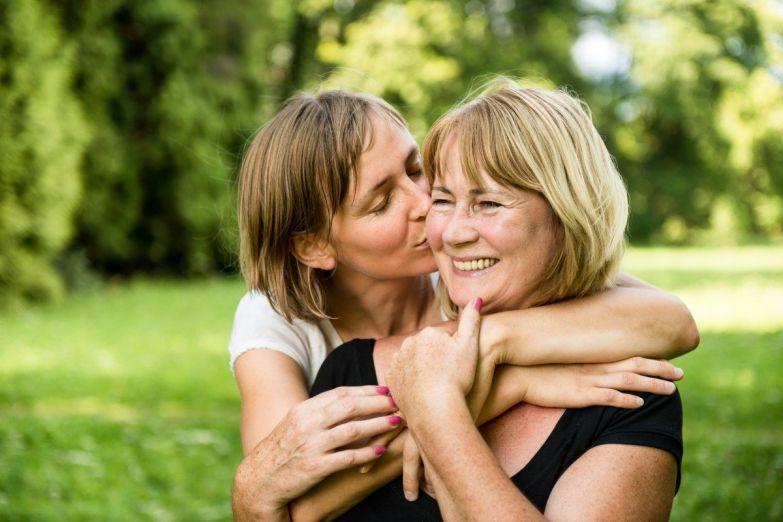 Как завистливая мать ломает жизнь своей дочери