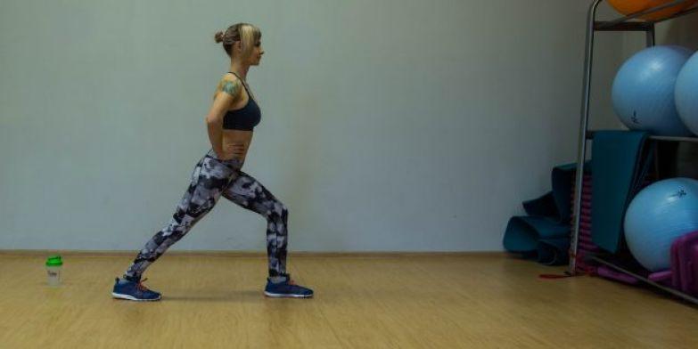 Упражнения для коленей: Растяжка икроножных мышц