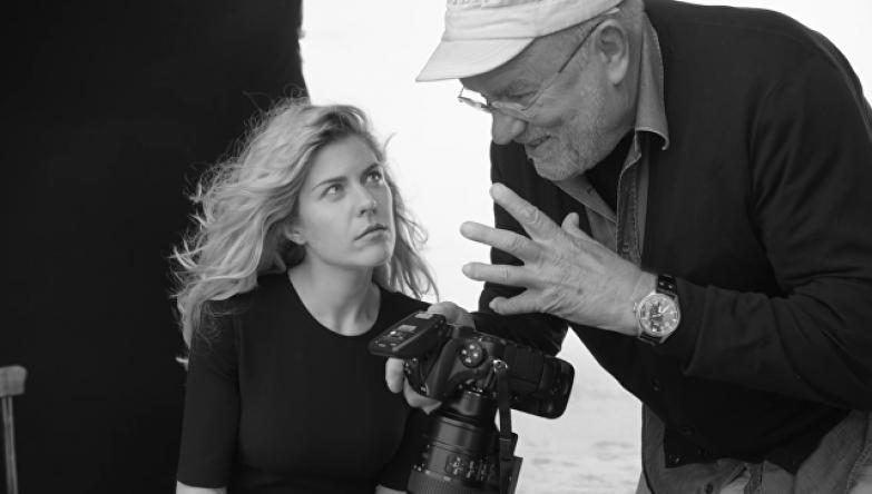 Анастасия Игнатова и фотограф Питер Линдберг на съемках календаря Pirelli