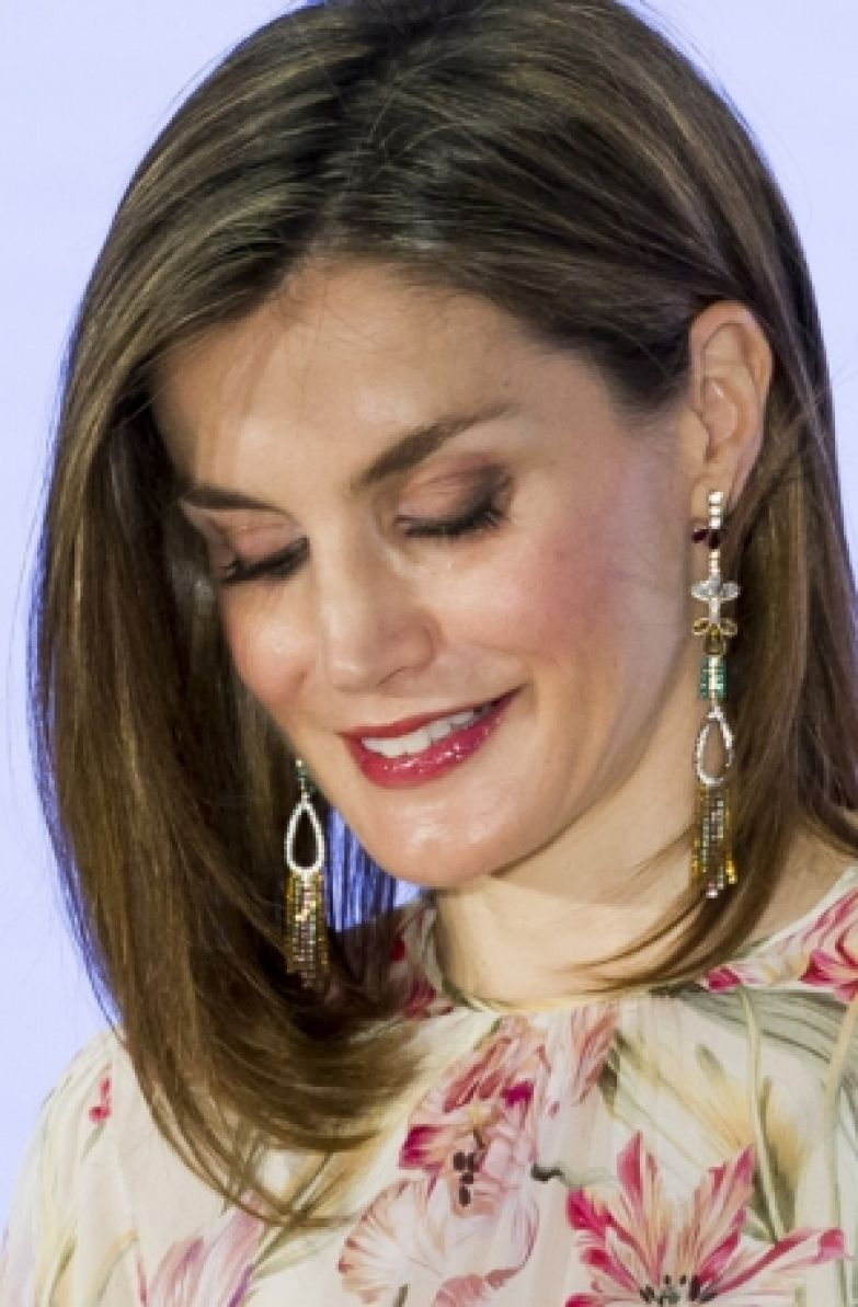 Королева Испании Летиция надела платье Zara, купленное пять лет назад