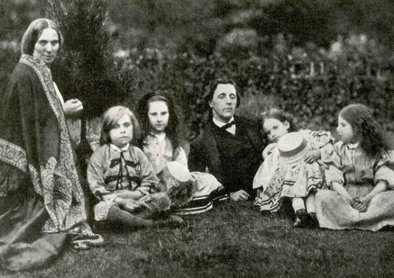 Льюис Кэрролл, миссис Джордж Макдональд и дети
