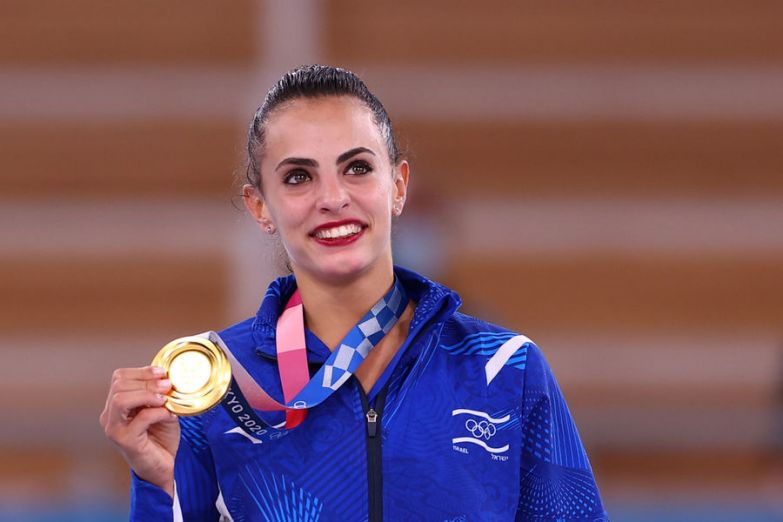 Израильская гимнастка Линой Ашрам закрыла профиль в Instagram из-за травли - Газета.Ru