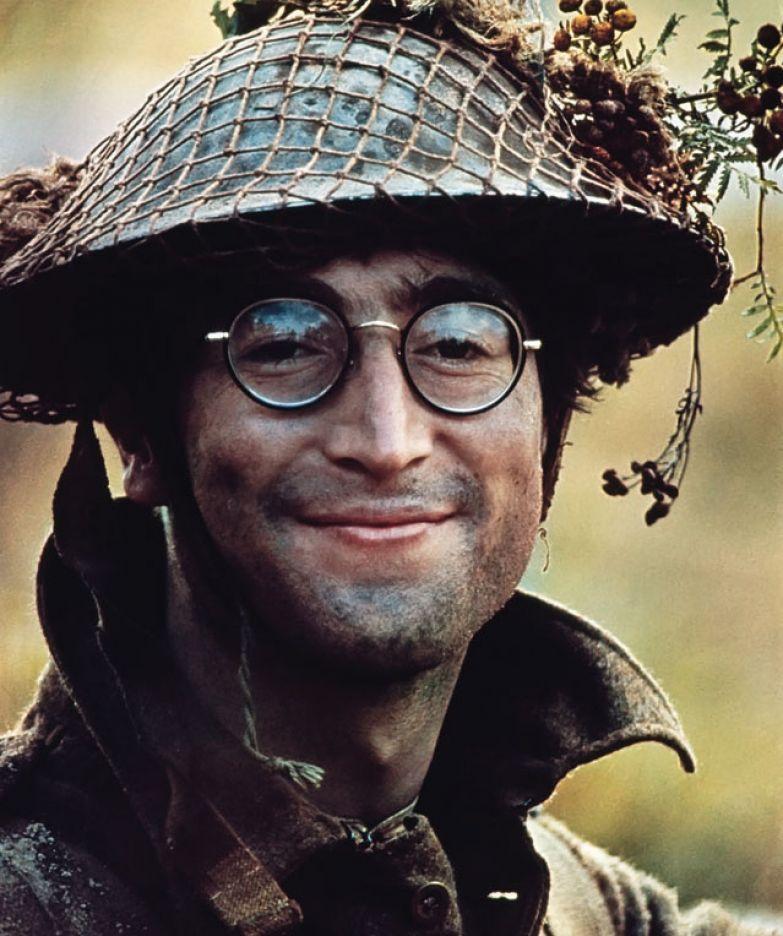 Картинки по запросу Джон Леннон на съемках фильма «Как я выиграл войну»