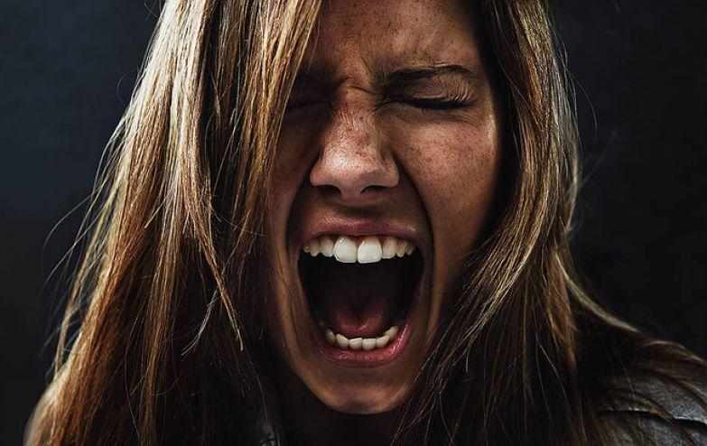 Как разные эмоции влияют на нашу кожу