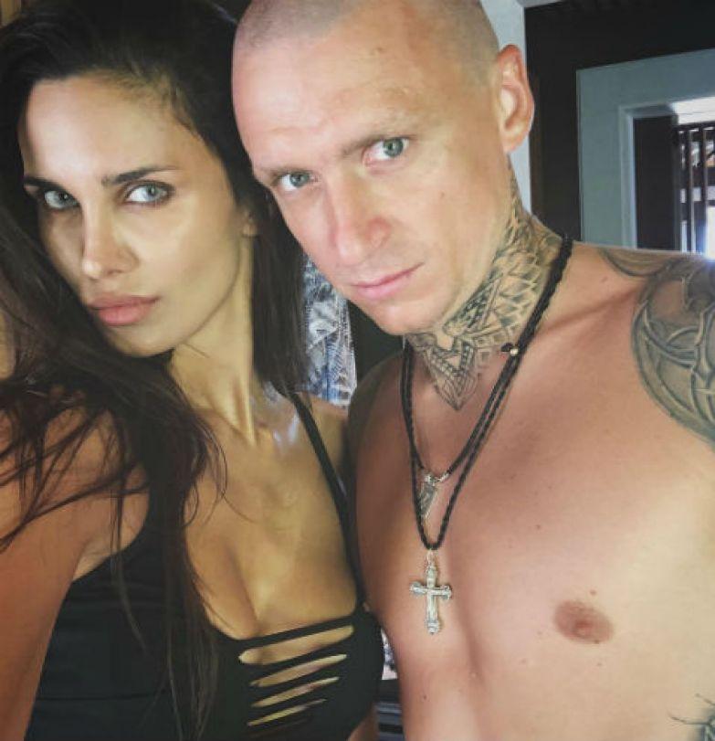 Футболист Павел Мамаев разводится с женой   StarHit.ru