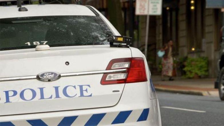Почему в США полицейский обязан прикоснуться к задней фаре остановленного авто?