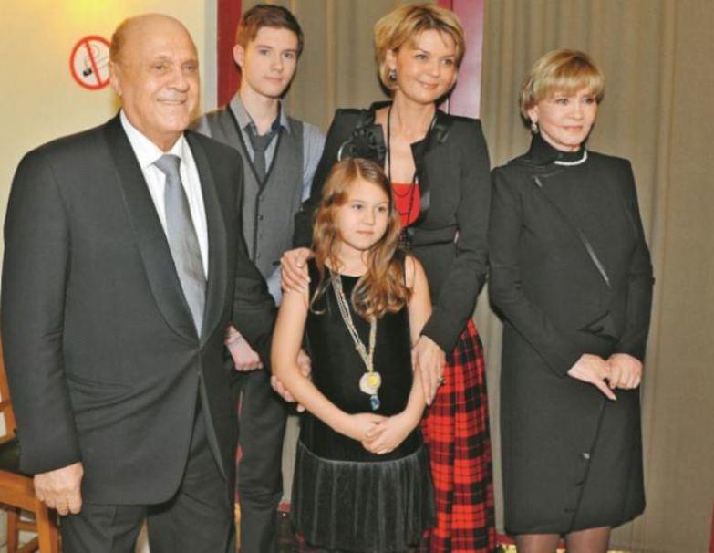 Меньшов и Алентова: расставание, венчание и золотая свадьба