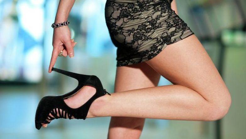 """Результат пошуку зображень за запитом """"женщина на каблуках"""""""