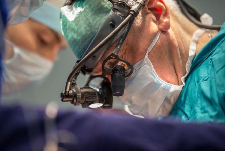 хирург лео бокерия
