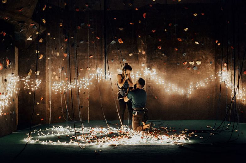 romantic-rock-climbing-proposal-india-earl-1