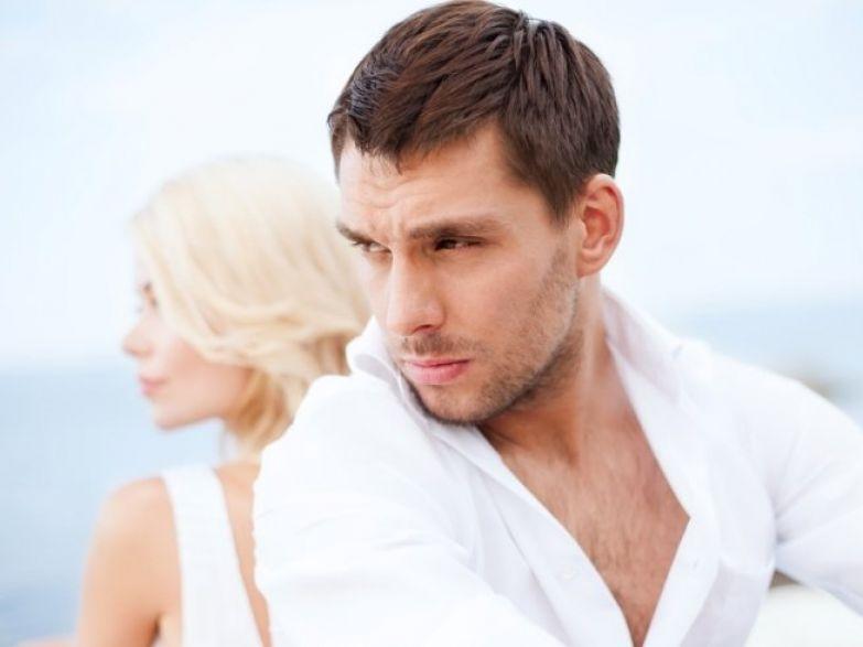 Муж полностью охладел к сексу