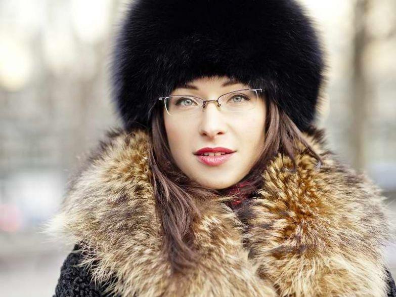 модные зимние меховые шапки 2021