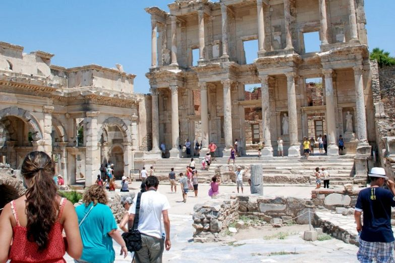 отдыхающие туристы в Турции
