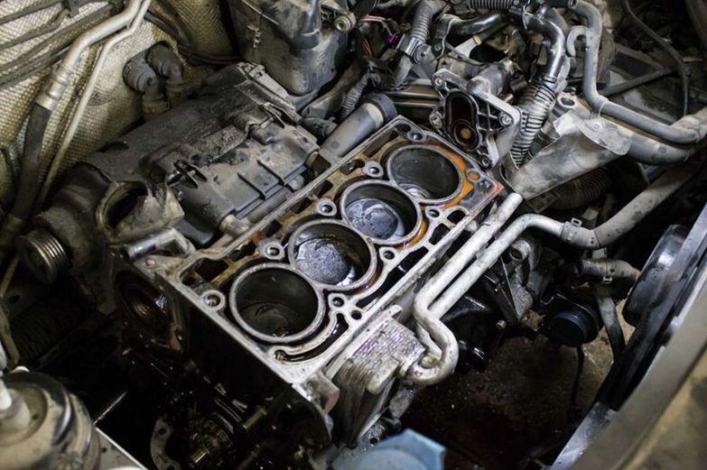Смерть для двигателя: Почему нельзя ездить на низких оборотах двигателя