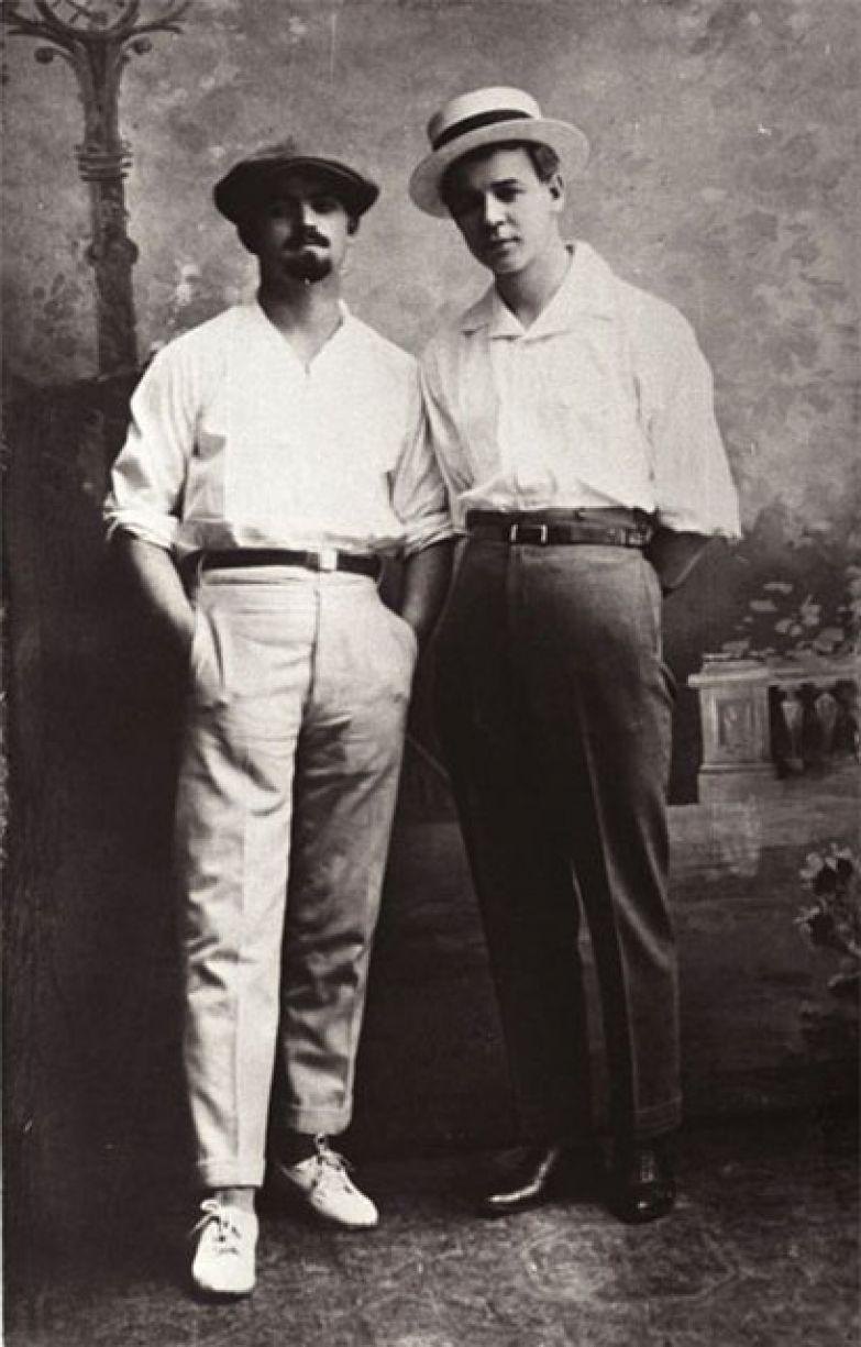 Сергей Александрович Есенин и В.И. Болдовкин. Баку, 24 мая 1925 года.