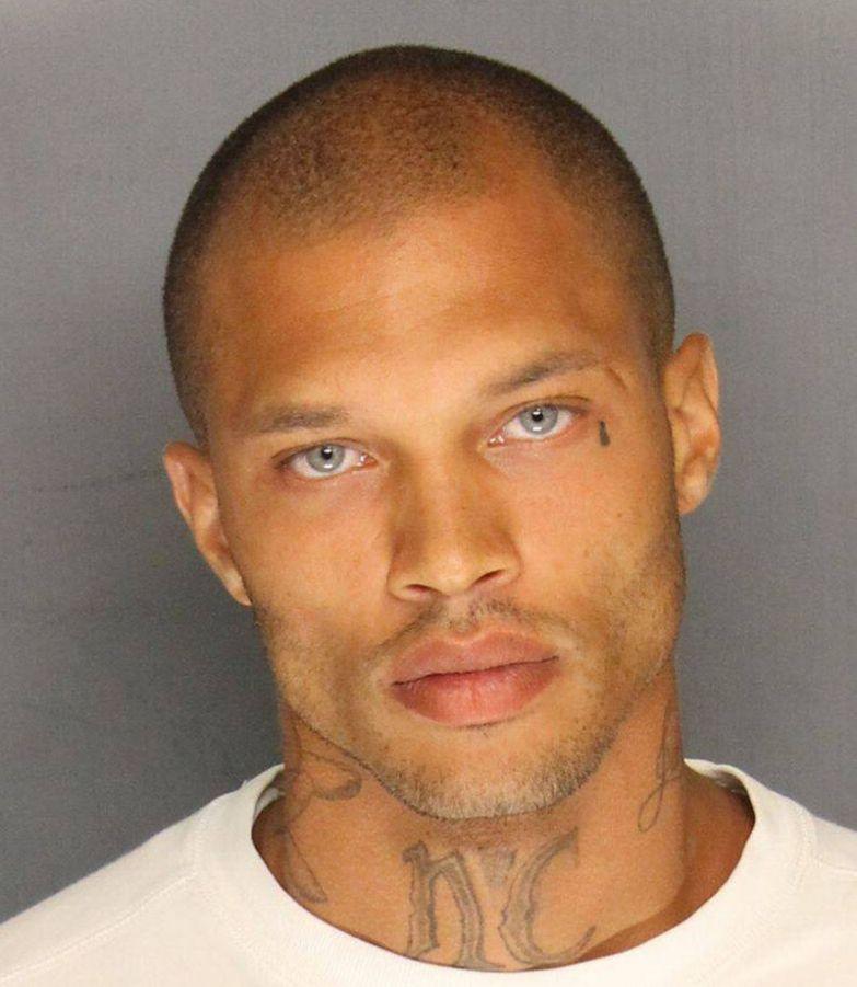 Трепещите, дамы: преступник-красавчик вышел на свободу модель, преступник, тюрьма