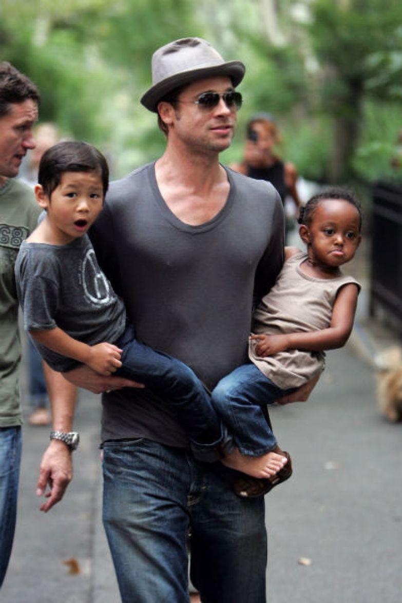 Сразу после начала отношений с Анджелиной Брэд усыновил Мэддокса и Захару