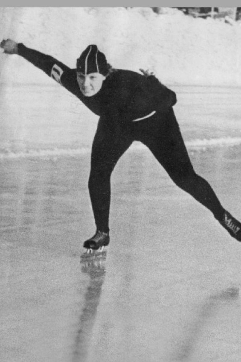 Инга Артамонова первой в истории конькобежного спорта завоевала титул четырехкратной абсолютной чемпионки мира
