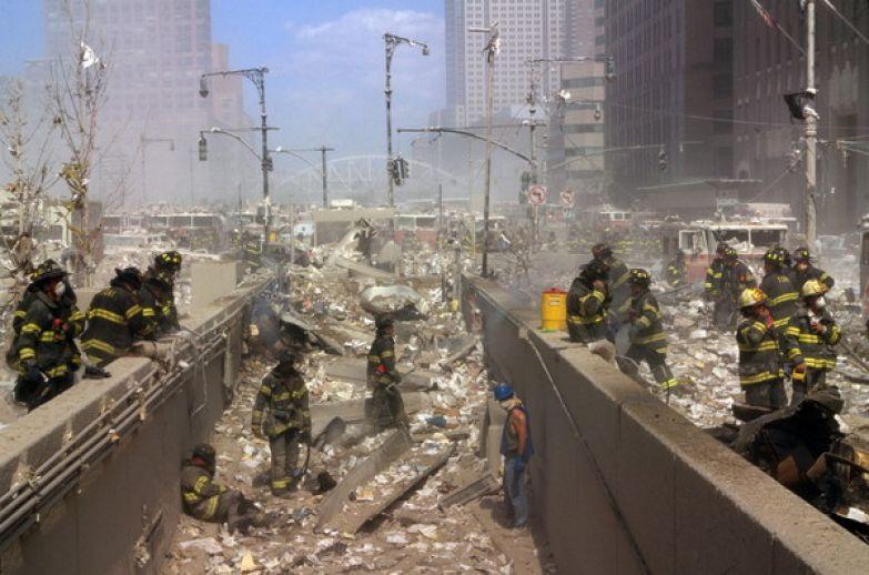 11 сентября Манхэттен погрузился в облако пыли, боли и скорби