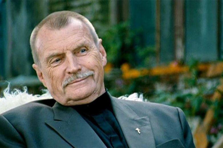Актер не мыслил жизни без работы и умер через два года после завершения карьеры