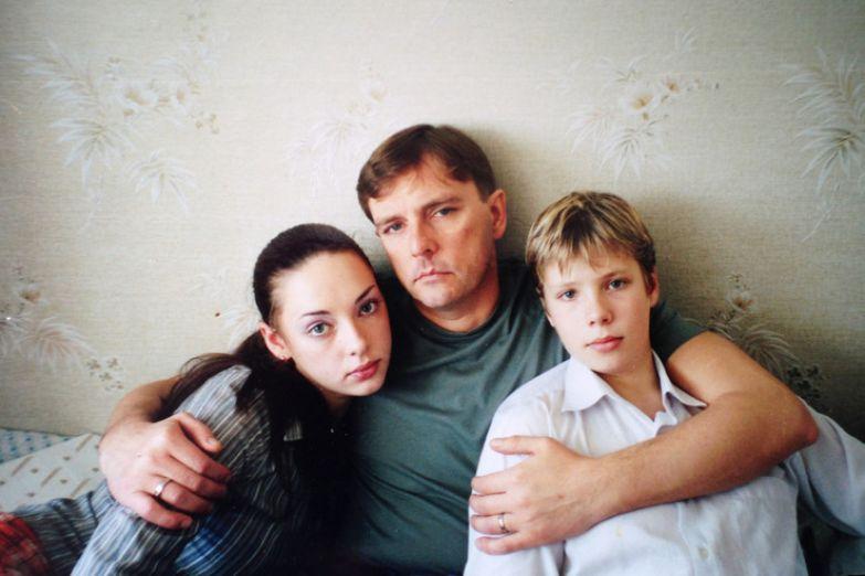 Алексей Нилов с дочерью Лизой и сыном Дмитрием