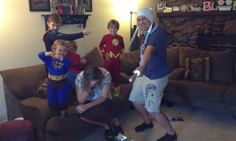 Большая семья - это способ собрать всех супергероев в одной квартире дети, прикол, юмор
