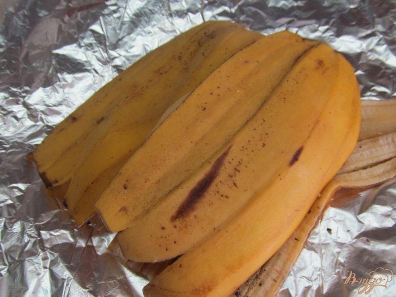 Фото приготовление рецепта: Запеченная свинина в банановой кожуре шаг №2