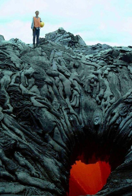 Потоки застывшей лавы - или души, сползающие в адскую бездну? искусство, мастерство, фото
