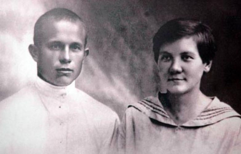 Никита Хрущев и Нина Кухарчук, 1924 | Фото: novostivmire.com