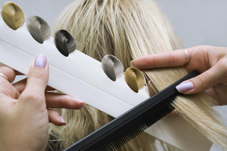 как выбрать краску для волос чтобы выглядеть моложе