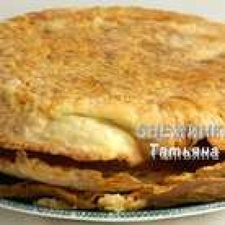 Раскатали и выпекаем при 220-230С три коржа поочерёдно, до золотистого цвета. Оставляем остывать. *Как и бисквит слоёные коржи можно испечь заранее.
