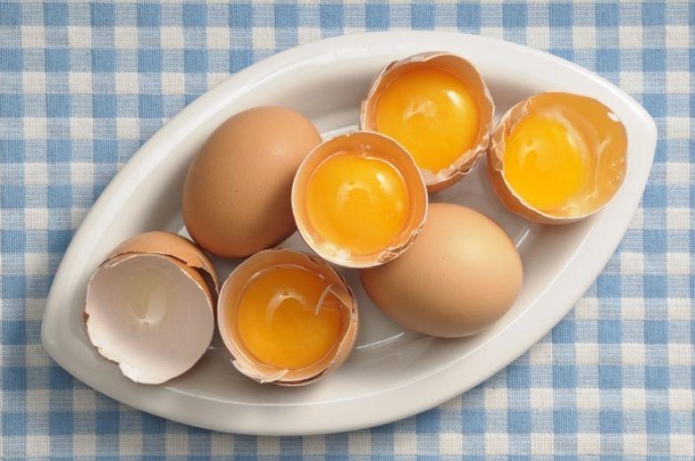 3. Употребление яиц помогает сохранить крепкими кости витамины, еда, интересно, яйца