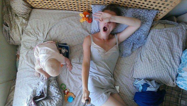 Иногда утро Юли начинается в 9, а иногда - в 5 утра будни, мама, проект
