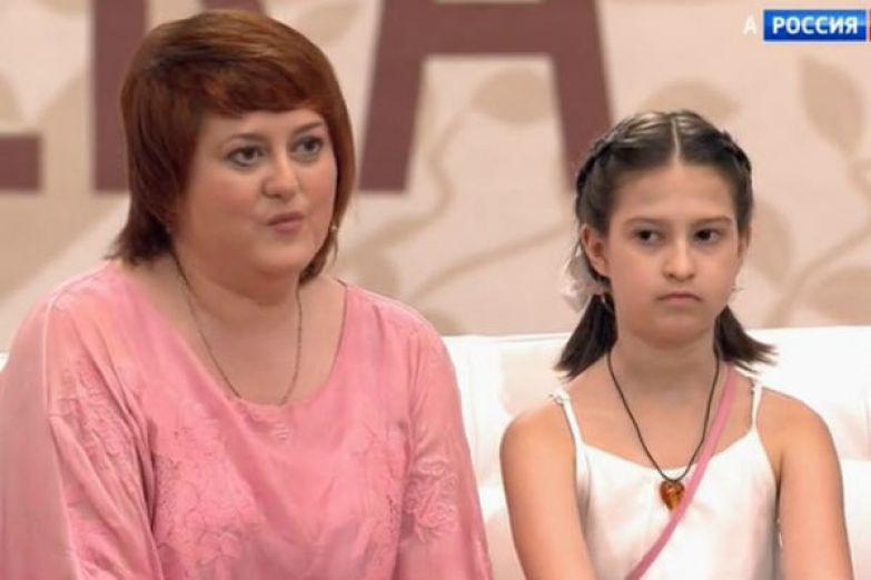Дочь и внучка поддерживают Галину Стаханову на премьерах новых фильмов с ее участием