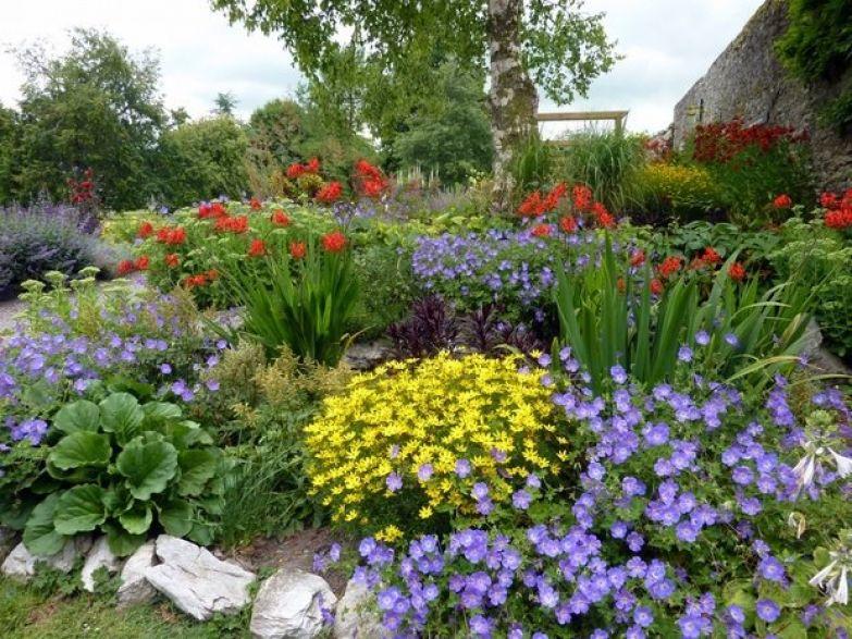 Фотография:  в стиле , Ландшафт, Советы, как преобразить дачный участок, как украсить сад, как обустроить 6 соток, сад своими руками – фото на InMyRoom.ru