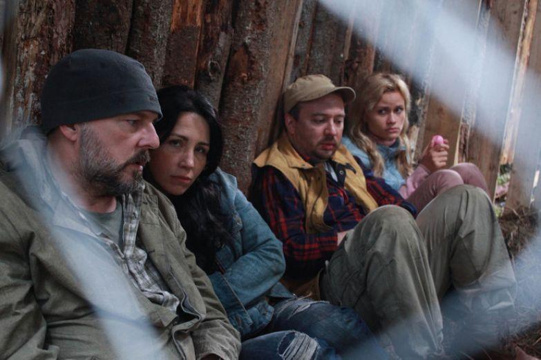 В сериале «Выжить любой ценой» актер играет беглого заключенного