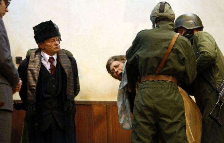 Николае и Елена Чаушеску на суде. | Фото: sekretmira.ru.