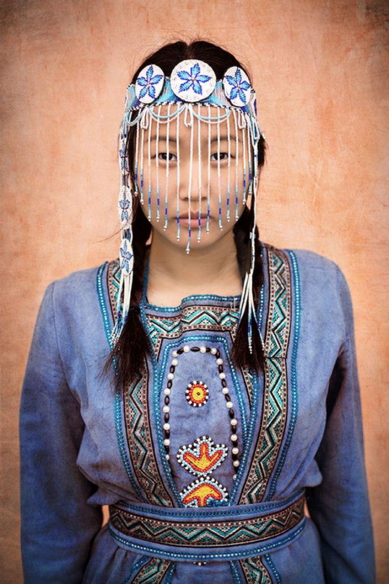 Девушка народности эвенки, Бурятия, Сибирь.