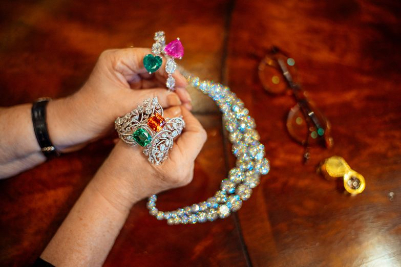 Никаких правил и моды, в Moussaiff можно найти украшения с самыми неожиданными сочетаниями драгоценных камней