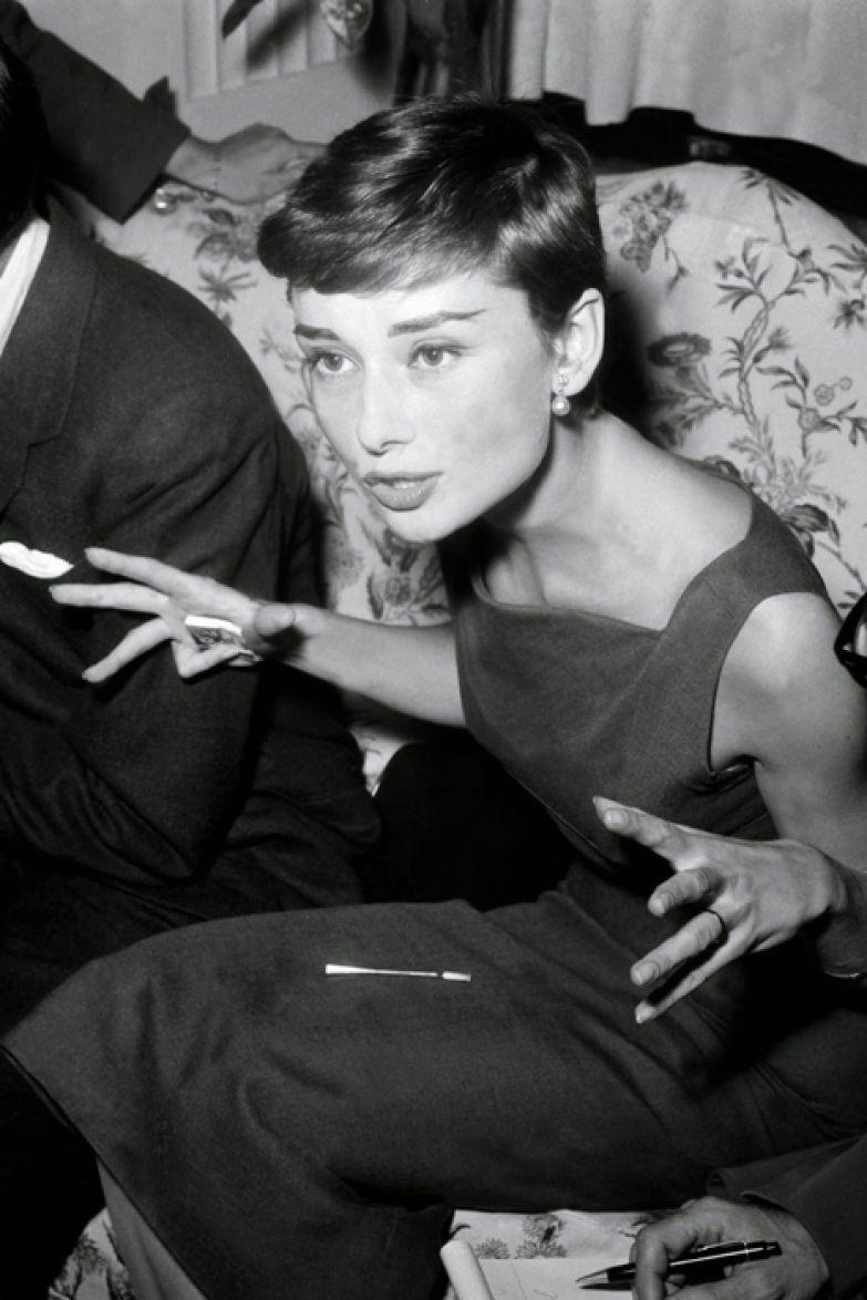 Гранд Отель в Риме (Италия). 29 сентября 1954г. Пресс-конференция Одри Хепберн.