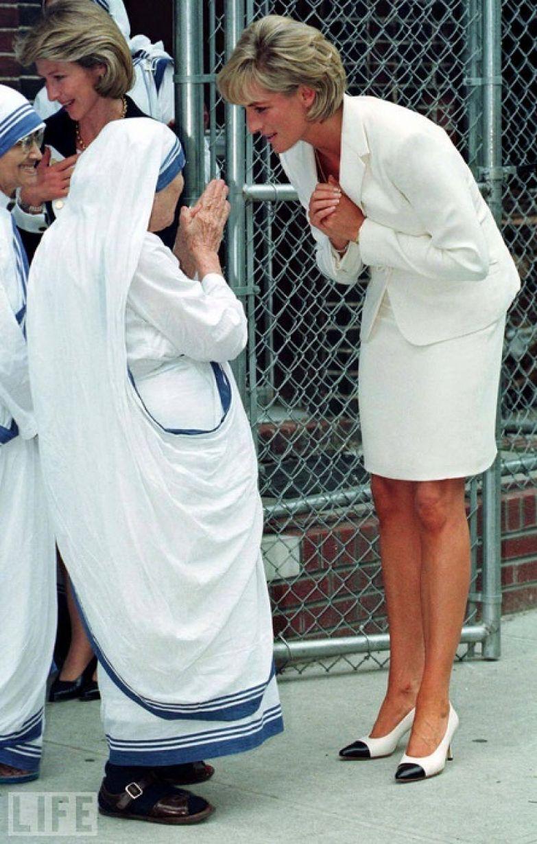 Мать Тереза и принцесса Диана. | Фото: аstihi.ru.