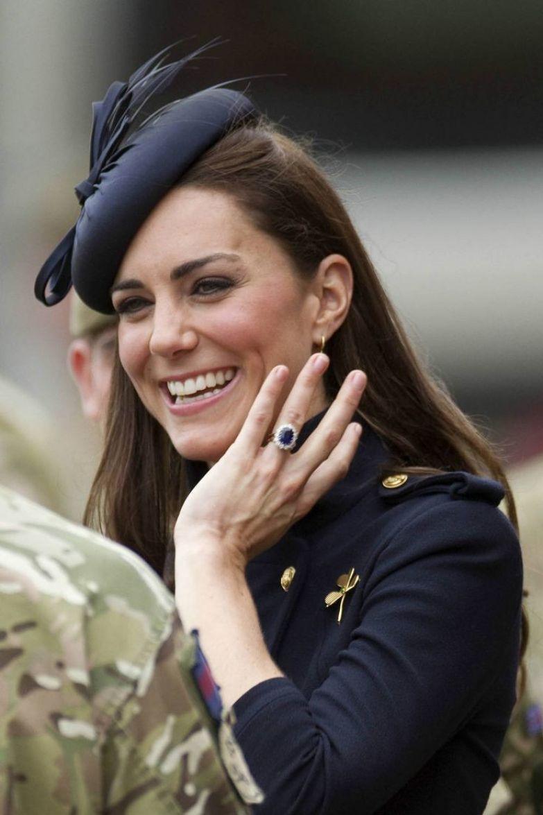 7. Она заказала обручальное кольцо по каталогу королевская семья, принцесса диана, светская жизнь, факты