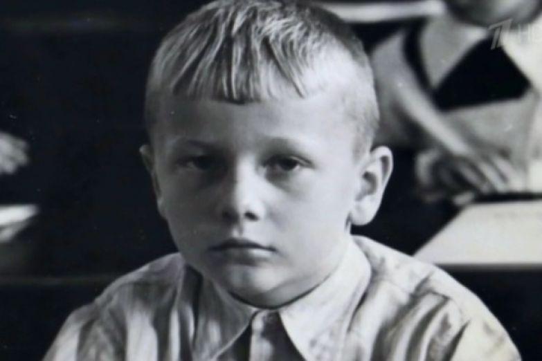 Михаил Задорнов с детства писал рассказы и выступал