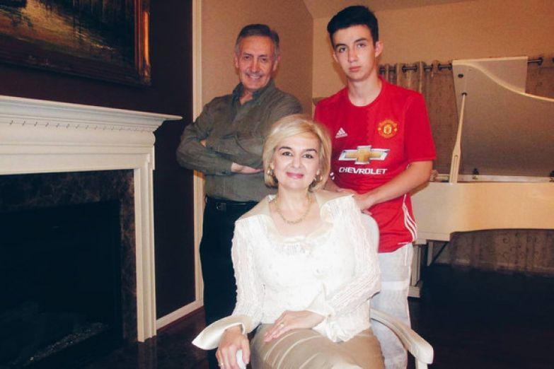 Марина Магомаева с семьей