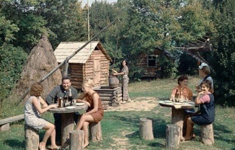 """""""Культурный отдых"""" за городом, 1978 год ностальгия, ссср, фото, фотографии"""