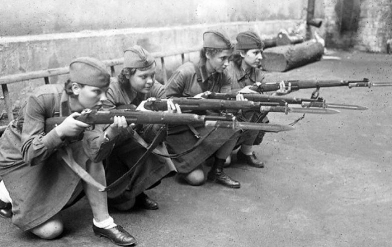 Говорили, что женщин на войне нет, есть только солдаты.