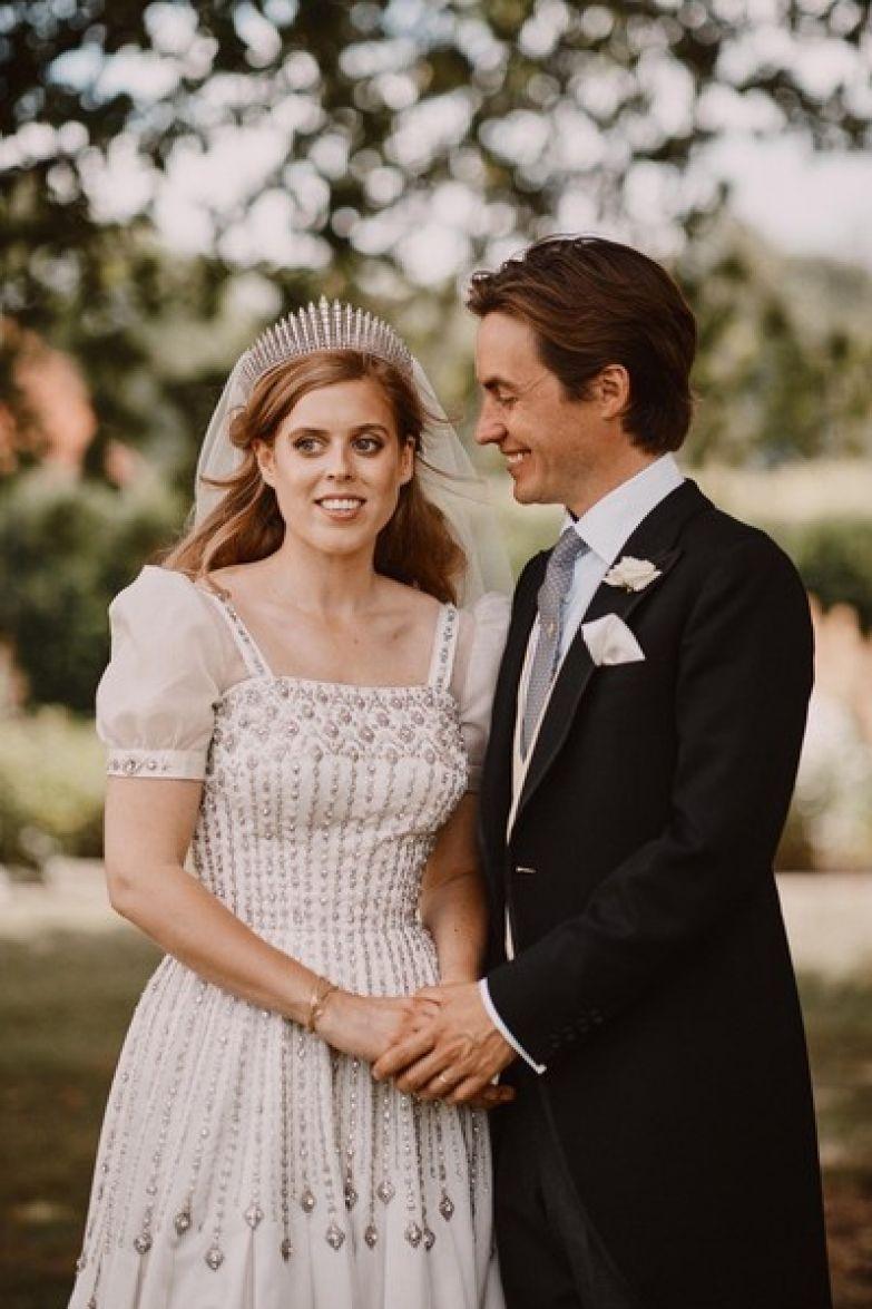 Свадебный образ Беатрис понравился всем модным критикам