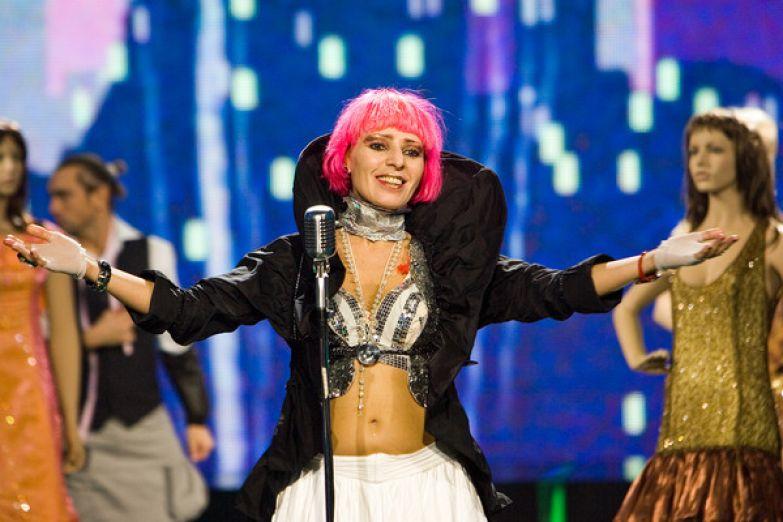 В конце 80-х Агузарова стала сольной исполнительницей